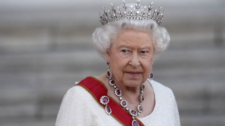 Огромная трагедия а в королевской семье!: Внучка королевы Елизаветы постепенно приходит в себя