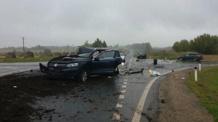 «Авто буквально сплющило»: на трассе Пермь – Екатеринбург произошло смертельное ДТП