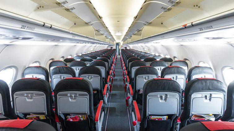 Один в 168-местном авиалайнере: Мужчина возвращался со свадьбы, но в самолете его ожидал настоящий сюрприз