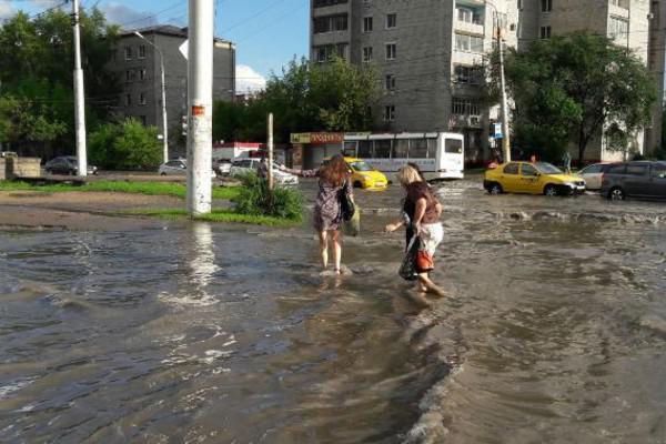В одном из городов России ввели режим ЧСиз-забушующей непогоды