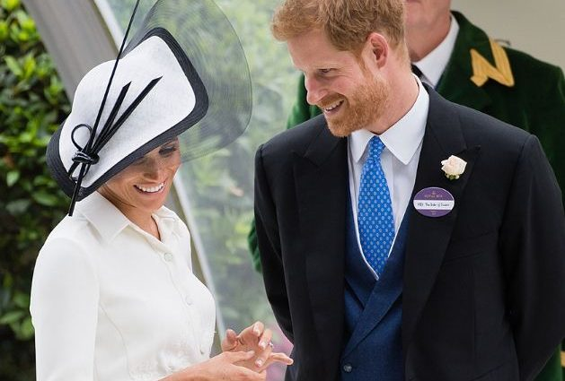 «Больше не держаться за руки»: что изменилось между Меган Маркл и принцем Гарри после свадьбы?