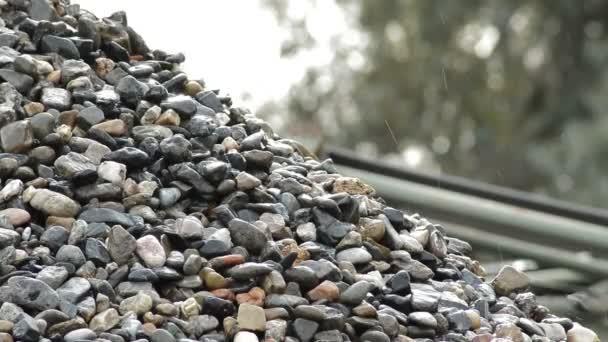 «Камни валились с неба»: туристы на отдыхе стали жертвами разъяренной стихии