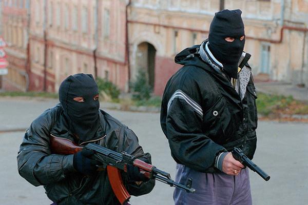 Жестоко убивали и насиловали: банда мстителей из Новосибирска поставили на уши весь город