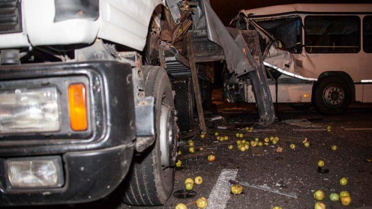 Срочно! В России автобус с украинцами врезался в грузовик. Есть жертвы