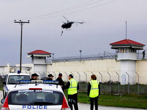 Знаменитый преступник  сбежал из тюрьмы на вертолете: узнайте подробности