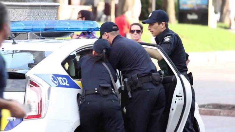 Во Франции протестуют против полицейского насилия