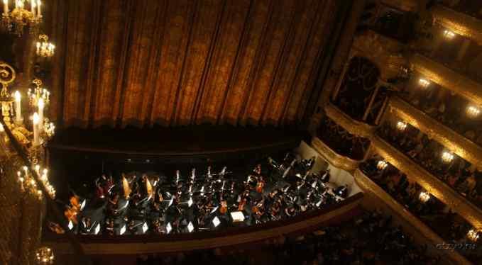 Упал в оркестровую яму: Трагически погибла звезда культового фильма
