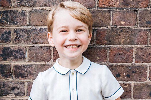 Принц Джордж празднует свой День Рождения. Королева Елизавета II сделала удивительный подарок