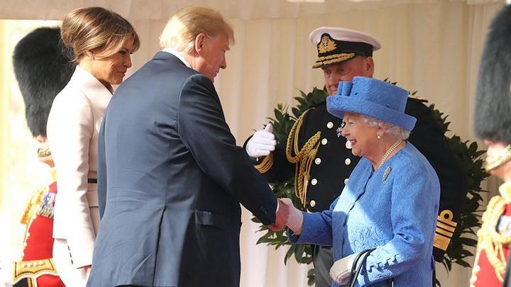 В Сети показали как Елизавета II тонко глумится над Трампом