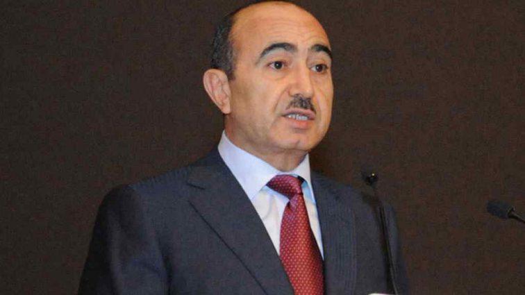 Премьер Азербайджана остановил попытку самоубийства