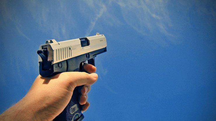 Известного чиновника исключили из партии «Единая Россия» за стрельбу в отеле
