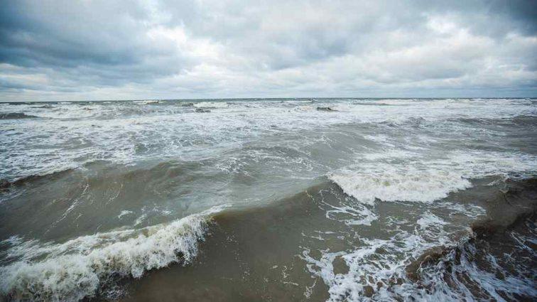 Россиян, которых унесло в Черное море спустя пять дней спас Христос