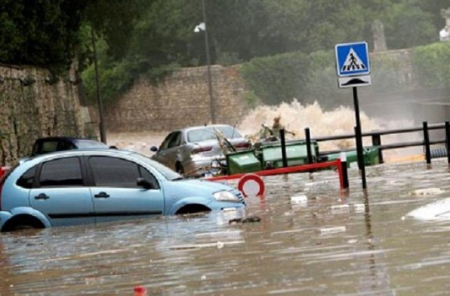 «Пришлось эвакуировать больше 1000 человек»: Масштабное наводнение во Франции