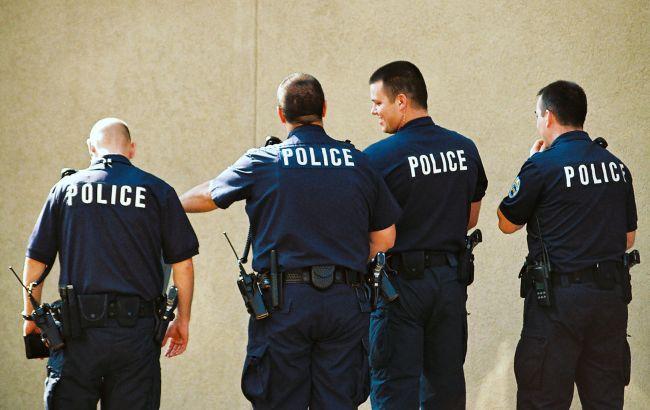 «Схватил невинного очевидца»: полицейские расстреляли заложницу и вооруженного мужчину