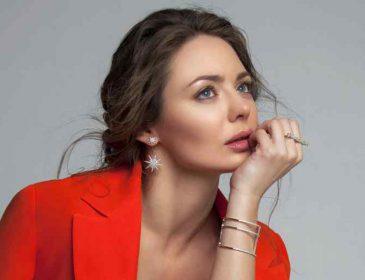 «Секретное интервью о секретном событии»: Карина Розумовская тайно вышла замуж за своего одноклассника