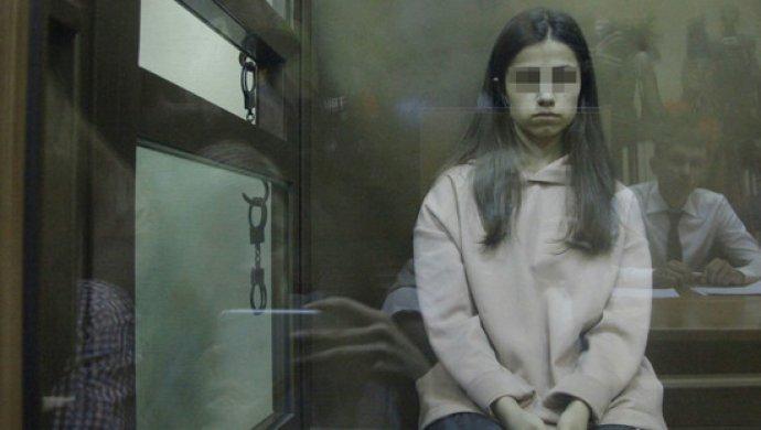 «У них много таких фотографий»: Мать сестёр Хачатурян показала снимки избитых отцом девушек