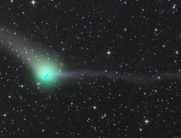 Сегодня мимо Земли пролетит уникальная комета «Невероятный Халк»