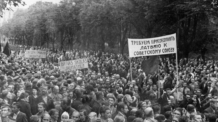 За «советскую оккупацию»: Латвия и Эстония могут потребовать у России возмещения ущерба
