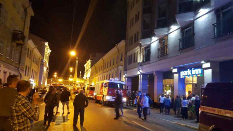В Петербурге загорелся большой отель: узнайте подробности инцидента