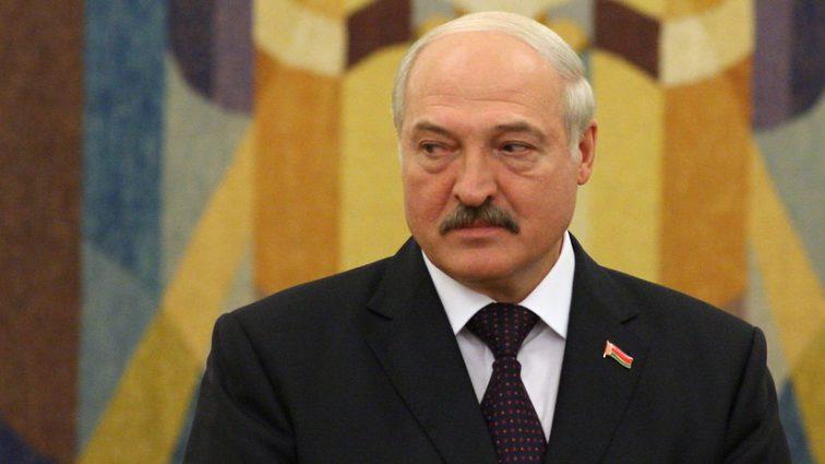 «Три-четыре ребенка надо рожать»: Лукашенко сделал громкое заявление