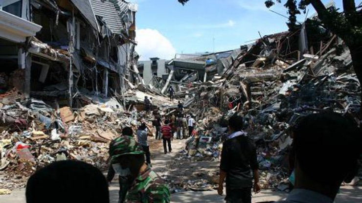 Число жертв после землетрясения в Индонезии выросло до 387