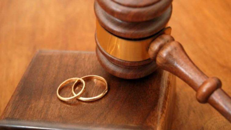 «Хочет пойти в школу»: 11-летняя девочка сбежала от своего 38-летнего мужа и хочет развестись