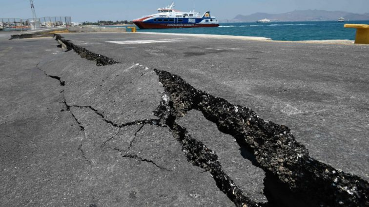 В Греции произошло мощное землетрясение: узнайте подробности бедствия