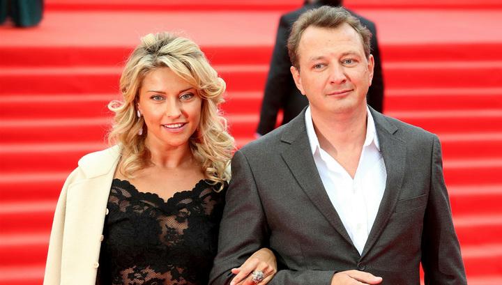 «Вы сделали отличный выбор»: Экс-жена Башарова Екатерина Архарова вышла замуж, только взгляните на избранника актрисы