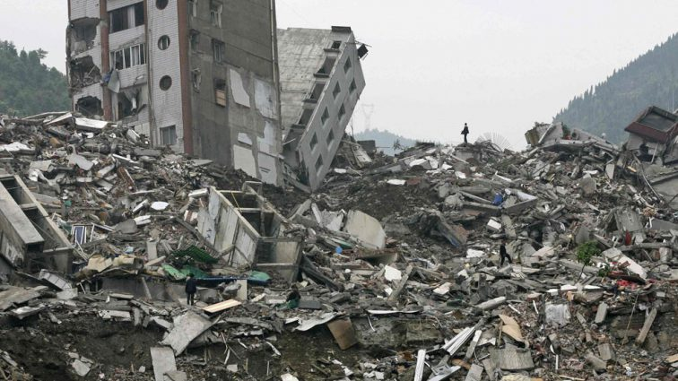 Мощное землетрясение на юге Китая