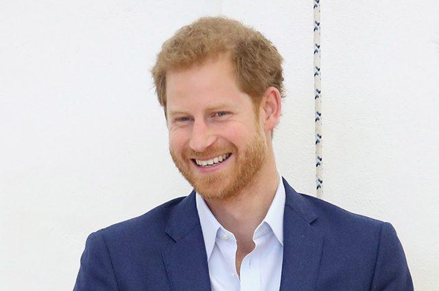 Британский принц Гарри дважды забавно оконфузился на торжественном обеде