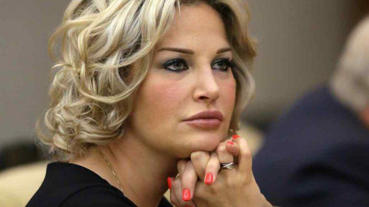 «Деньги сильно избаловали»: Максакова запрещает видеться с внуком собственной свекрови