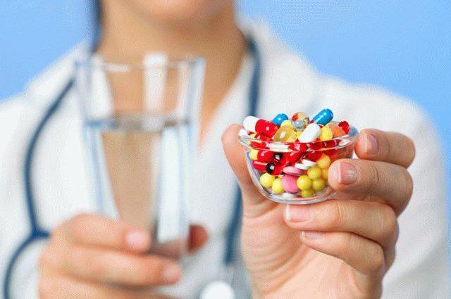 «Волосатый и черный»: прием антибиотиков обернулся для женщины неожиданными последствиями