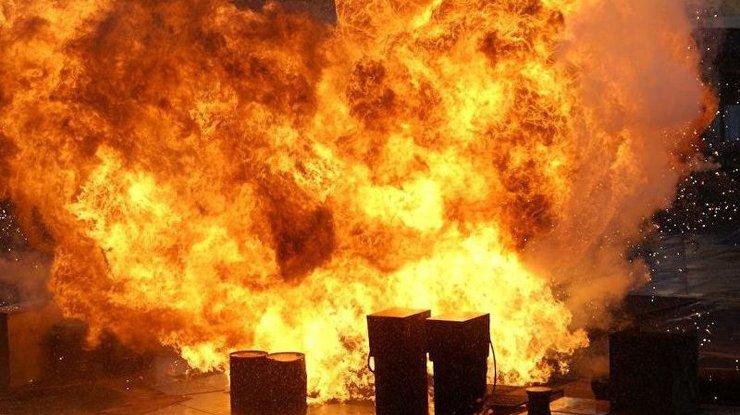 «В окне увидел столб огня»: страшный взрыв произошел посреди жилого квартала штата Пенсильвания