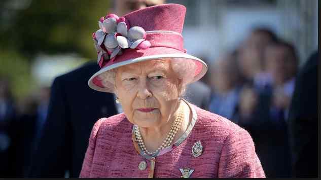 «Не было другого выхода»: Елизавета II заставила Меган Маркл заморозить яйцеклетки