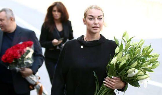 «Не делайте шоу из похорон!»: Анастасия Волочкова сделала громкое заявление  по поводу похорон Кобзона