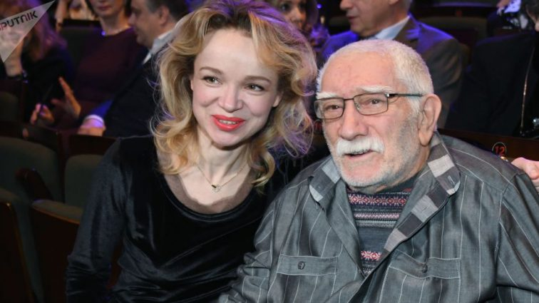 Штраф и общественные работы: Виталину Цымбалюк-Романовскую признали виновной по делу Джигарханяна