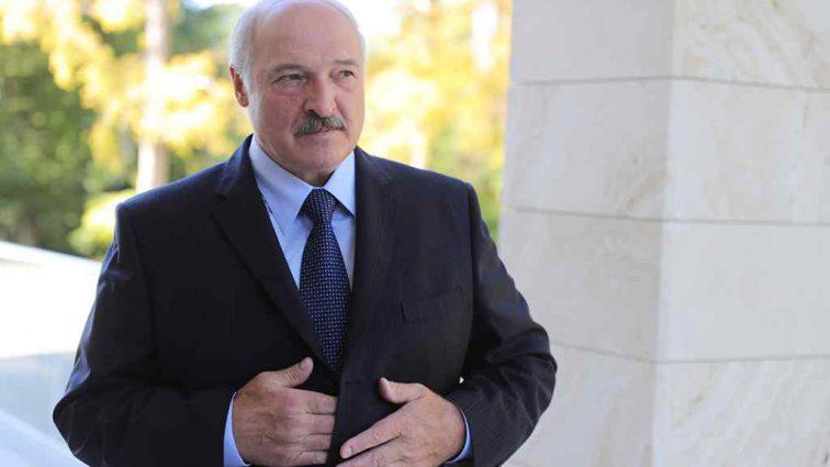 «Она съедает все»: Лукашенко резко высказался о коррупции в стране