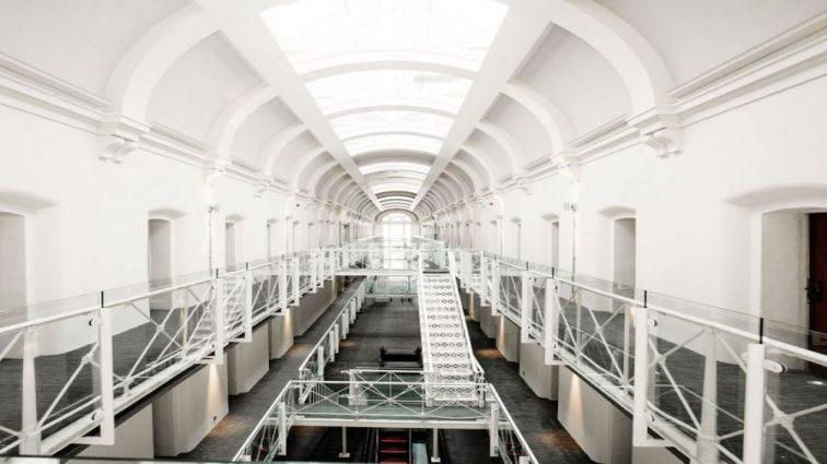 В Нидерландах правительство решило превратить заброшенные тюрьмы в роскошные отели