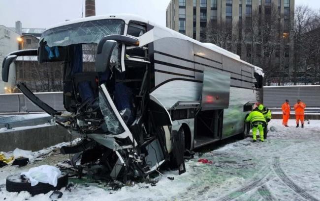 В Швейцарии разбился автобус с россиянами: десятки пострадавших
