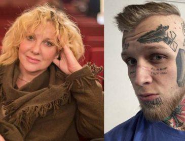 Он сделал это, чтобы не плакать: сын Елены Яковлевой изукрасил свое тело татуировками от отчаяния