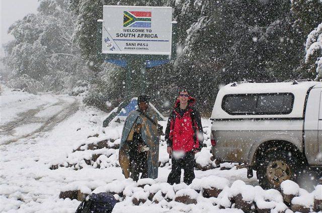 Африку снова «атакуют» град и снег, есть пострадавшие