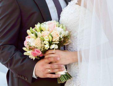 «Набросилась на невесту»: Женщина сорвала свадьбу собственного мужа