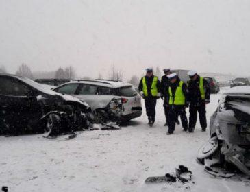 Массовая ДТП в Польше: Столкнулись почти 20 автомобилей. Есть пострадавшие