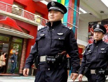 В Пекине вооруженный мужчина напал на школьников: десятки раненых