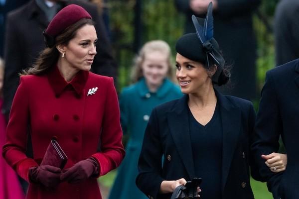 «Я не желаю делать ничего, что делала Кейт Миддлтон»: Меган Маркл отказывается рожать ребенка в королевском госпитале