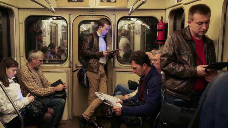 «Этого быть не должно»: Для пассажиров московского метро придумали новый запрет