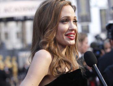Заболела? Анджелина Джоли всполошила фанатов чрезмерной худобой