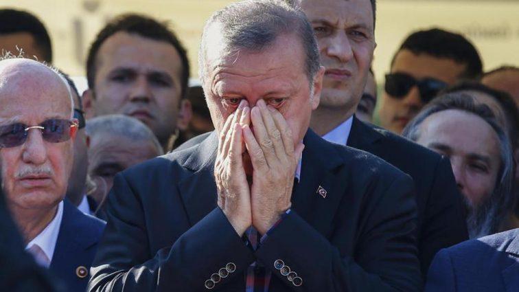 «Долго болел»: Эрдоган понес тяжелую утрату