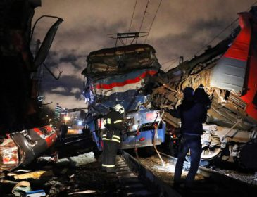 Травмы получили 300 человек: Страшная авария на железнодорожном переезде