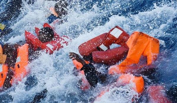 Погибли 117 человек: В Средиземном море затонуло судно с мигрантами